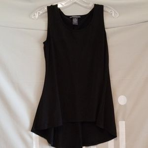Chelsea & Theodore Sleeveless blouse in Black